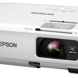 EPSON EB-S18 3LCD SVGA 800X600 3000 AL 10.000:1 HDMI USB COMPONENT